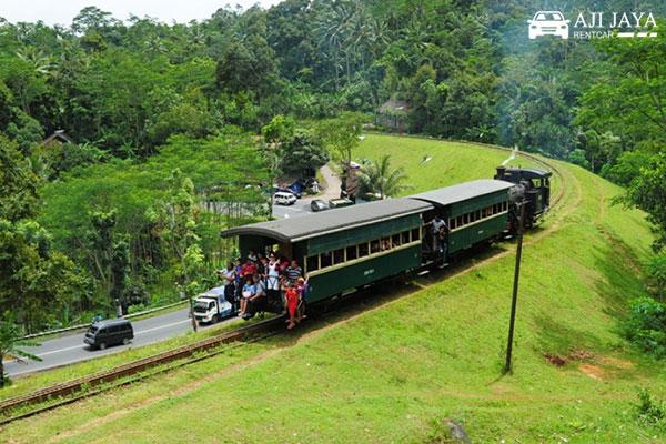 aktifitas wisata museum kereta api ambarawa